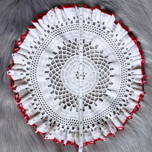 Vintage Accents - Vintage Round White Doily with Red Border